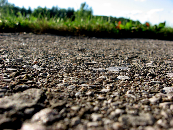 Closeup_of_pavement_with_grass
